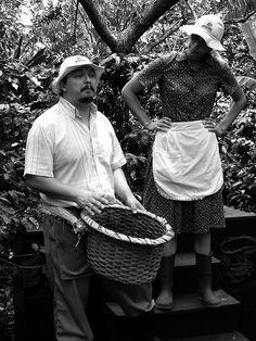 En el cafetal: Representación del Coffee Tour Britt, Heredia (Costa Rica)