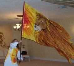 Lion of Judah worship flag. Praise Dance Wear, Worship Dance, Praise And Worship, Praise God, Bride Of Christ, Prophetic Art, Lion Of Judah, Church Banners, Spiritual Warfare