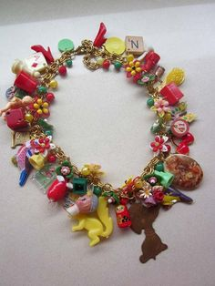Vintage Toy Necklace Flower Necklace Statement di rebecca3030