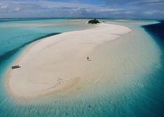 Los 10 países más pequeños del mundo o el encanto de lo diminuto | El Viajero | EL PAÍS Waves, Beach, Outdoor, Tax Haven, The Maldives, World, Marshall Islands, World Geography, Sea Level