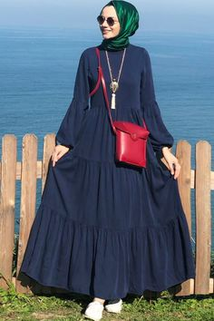 Hijab Dress Party, Hijab Outfit, Modest Fashion, Hijab Fashion, Fashion Dresses, Moslem Fashion, Kurta Patterns, Modele Hijab, Kurta Neck Design