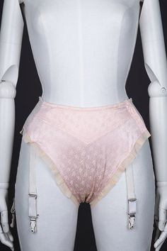 Jacquard weave high-leg suspender knickers by Mondaine Photography by Tigz Rice Studios The Underpinnings Museum Vintage Underwear, Vintage Lingerie, Glamour, Vintage Models, Retro Pin Up, Retro Outfits, Style, Stockings, Retro Clothing