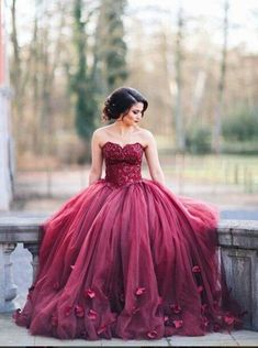 Gorgeous Sweetheart Floor-Length Burgundy Organza Wedding Dress with Lace Handmade Flowers