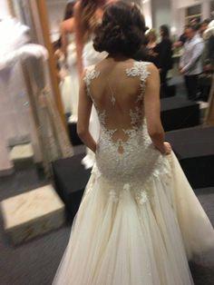 Hochzeit - Pin By Bela Martinez On VESTIDOS DE NOIVA E ACESSÓRIOS