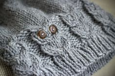 A knitted owl hat, free pattern.
