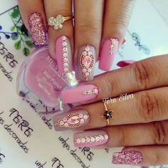 24 super Ideas for nails coffin design bling nailart Classy Nails, Stylish Nails, Trendy Nails, Rhinestone Nails, Bling Nails, Fabulous Nails, Gorgeous Nails, Cute Acrylic Nails, Fun Nails