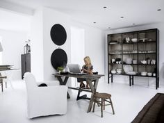 Modern Minimalist All White Interior Design Of The Homewares Decor Ideas With Dark Cupboard Amazing White Interior Home Design With Luxury White Furniture Interior Decor White Houses, Home Interior Design, Room Inspiration, House Interior, Furniture, Living Room Inspiration, Home, White Interior, White Interior Design