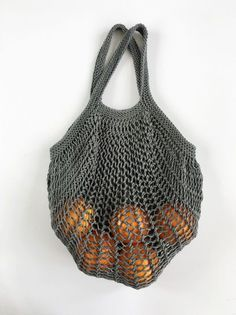 Crochet mesh bag - wool instead of plastic! PURCHASING NET EDDA at Makerist Always wanted to discover ways to knit, however not certain the place to begin? Crochet Wool, Filet Crochet, Knitted Bags, Knitted Blankets, Knitting Patterns, Crochet Patterns, Blanket Patterns, Diy Mode, Filets
