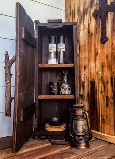 Who knew a vintage upcycled ammo box could be so functional as a quirky little kitchen cupboard. Would you do something like this in your kitchen? Diy Cupboards, Clean Kitchen Cabinets, Kitchen Storage, Wooden Crates, Wooden Boxes, Wooden Trunks, Wooden Chest, Rustic Kitchen, Vintage Kitchen
