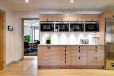 Nytt kök. Fotograf: Henrik Nero Kitchen Cabinets, Home Decor, Velvet, Restaining Kitchen Cabinets, Homemade Home Decor, Kitchen Base Cabinets, Interior Design, Home Interiors, Decoration Home