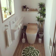 This unique DIY bathroom remodel is a really inspirational and ideal idea Rustic Bathroom Mirrors, Living Pequeños, Minimal Bathroom, Modern Bathroom, Cute Apartment, Pastel Decor, Tiny Bathrooms, Diy Bathroom Remodel, Paint Colors For Home