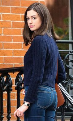 medium length hair anne hathaway