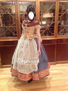 Fòrum Faller Independent - Tengo un problemón con la falda! - Abans mortes que senzilles Antique Lace, Cosplay Outfits, Historical Costume, Costume Design, Couture, Cool Outfits, Pretty, Folklore, Inspiration