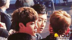Haha Chanyeol looks seriously scared #gif