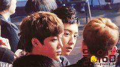 Haha Chanyeol looks seriously scared #gif