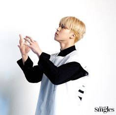 Behind the scene photo of BTS for 'Singles' Magazine January 2017 issue [170111]