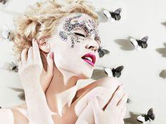 Kylie Minogue - images for desktop: http://wallpapic.com/celebrities/kylie-minogue/wallpaper-2530