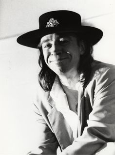 Stevie Ray Vaughn thinks that you are funny. Stevie Ray Vaughan, Music Pics, Music Stuff, Eric Clapton, Best Guitarist, Blues Music, Blues Rock, Jimi Hendrix, Fun To Be One