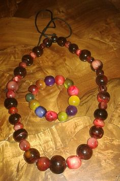 hand made Necklace and bracelet made with zebu horn by Tropicolor Madagascar ... www.tropicolormg.it