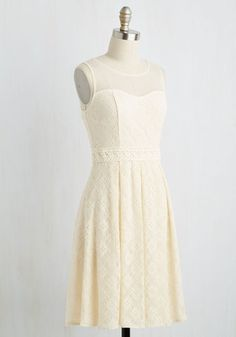 Chantilly Sweetheart Dress in Ivory | Mod Retro Vintage Dresses | ModCloth.com