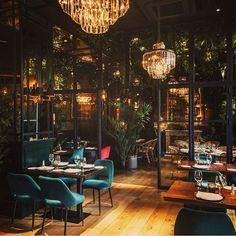 restaurant interieur Restaurants always need a lux - Loft Interior, Bar Interior Design, Boutique Interior Design, Restaurant Interior Design, Commercial Interior Design, Luxury Interior, Lounge Design, Design Café, Cafe Design
