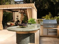 Inspirational outdoor kitchen ideas for small spaces, outdoor kitchen ideas images #bbqislanddesigns