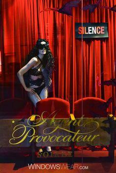 Los Angeles | Agent Provocateur  Cortinas exuberantes de veludo vermelho, lugares VIP para convidados especiais, luxuosa lingerie preta e morcegos que no seu conjunto evocam o sentido sensual e provocante que já esperamos da marca de lingerie Agent Provocateur .