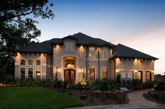 Patrick Homes to build luxury homes in Sienna Plantation's Village of Sawmill Lake - Houston Business Journal - - A new luxury homebuilder has been named for the newest portion of Sienna Plantation, a master-planned community southwest of Houston. Luxury Homes Dream Houses, Luxury House Plans, Dream House Plans, Dream Homes, Style At Home, Dream House Exterior, Luxury Homes Exterior, Dream Home Design, House Goals