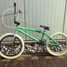 Bmx Pro, Gt Bmx, Bmx Bikes, Dream Rooms, Scooters, Mtb, Mountain Biking, Skateboard, Hobbies