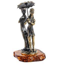 Фигурка «Парочка под зонтом» AM-1153      Страна производства: Россия;   Материал: латунь/янтарь;          #figures #brass #amber #фигурки #латунь #янтарь