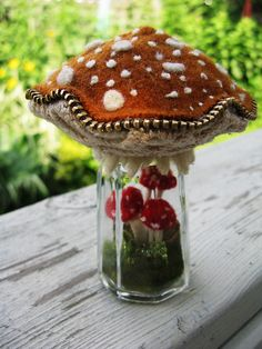 Nested mushroom pincushion - great use of zipper trim.