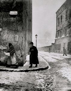 Roman Vishniac - Isaac Street, Kazimierz, Cracow, 1935-38