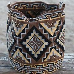 Original Wayuu Mochila hand woven in LaGuaira Colombia, una hebra tecnique in Clothes, Shoes & Accessories, Women's Handbags Crochet Chart, Knit Crochet, Mochila Crochet, Tapestry Crochet Patterns, Tapestry Bag, Boho Bags, Crochet Purses, Crochet Bags, Knitted Bags