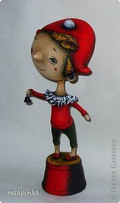 Очень подробный МК по созданию статуэтки из папье-маше: gfynb — ЖЖ Paperclay, Paper Crafts, Dolls, Christmas Ornaments, Holiday Decor, Design, Papier Mache, Paper Envelopes, Baby Dolls
