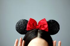 Minnie Ears - I want this as a hat! sparkly ears and perfect bow!