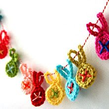 DIY little crochet bunny garland