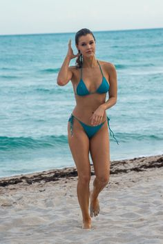 Joy Corrigan in Bikini at a Beach in Miami – Celeb Central Sexy Bikini, Bikini Clad, Bikini Beach, Bikini Babes, Bikini Girls, Bikini Swimsuit, Sexy Curves, One Piece Swimwear, Female Bodies