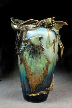 [Eastern Dragon vase by Amphora]