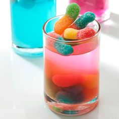 These quick and easy jelly recipes make fun desserts, are great for kiddies parties and it's an easy sweet treat for adults and kids alike.