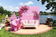 Pretty Pink Baby Shower Baby Brunch – MunaMommy Baby Shower Gender Reveal, Baby Shower Themes, Baby Shower Decorations, Shower Baby, Pink Party Decorations, Shower Ideas, Mekka, Different Shades Of Pink, Pink Parties