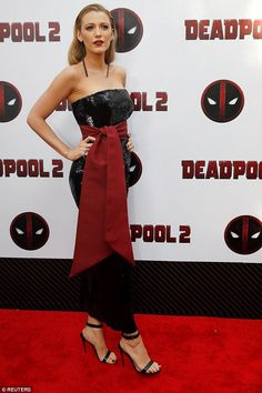 Ryan Reynolds and Blake Lively put on stylish show at Deadpool 2 premiere in New York Ryan Reynolds, Star Fashion, Fashion Show, Deadpool, Blake Lively Family, Dc Movies, Female Actresses, Embellished Dress, Sequin Dress