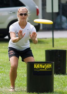 KanJam is the ultimate outdoor game, play it everywhere! Great for backyards, barbecues, parties, beaches, tailgating, gym class, and more. Team members take turns throwing and deflecting KanJam Disc to score points. Point values of 3, 2 or 1 are awarded and game is played to 21 points or scoring an instant win.