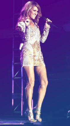 Les belles jambes à Celine! Amazing!