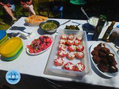 Mediterrane-Kochkurs-Mezedes Chocolate Fondue, Waffles, Raspberry, Fruit, Breakfast, Desserts, Food, Greek Dishes, New Recipes