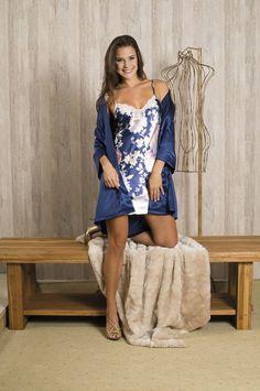04faef840 Robe e camisola em cetim . Daniela Tombini Pijamas. Brasil Cetim