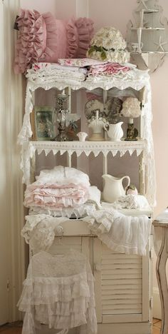 perfect for storing bed linens, blankets and lace.