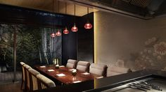 Teppan Dining - In our private dining room, guests can enjoy teppanyaki cooking, in which ingredients are prepared in an open kitchen using an iron griddle.