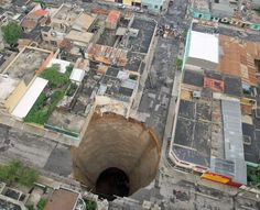 A collapse sinkhole in Guatemala City [1000  812]