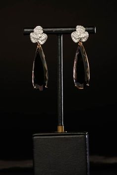 18 carat whitegold, brilliants, smoky quartz. Oorbellen. Earrings #Oorbellen #Earrings #Juwelen #Jewelry #LillyZeligman  www.lillyzeligman.com