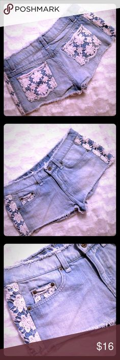 🌷LF CARMAR FLORAL LACE - DENIM SHORTS SZ 28 EUC🌷 LF CARMAR DENIM SHORTS IN A SZ 28 EUC PRINCE RANGE IS 150 - 200 NEW! AVAILABLE ONLY AT EXCLUSIVE LF STORES! CHECK OUT MY OTHER CARMAR PAIRS & MY 5$ SALE!!! THABK YOU FOR LOOKING! Carmar Shorts Jean Shorts